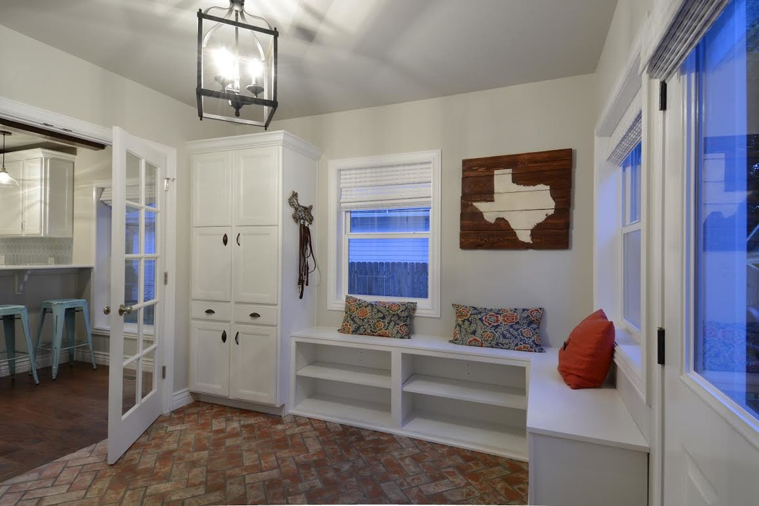Picture white washed brick tile floor in mudroom